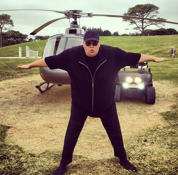Kim Dotcom marries Elizabeth Donnelly  msncom